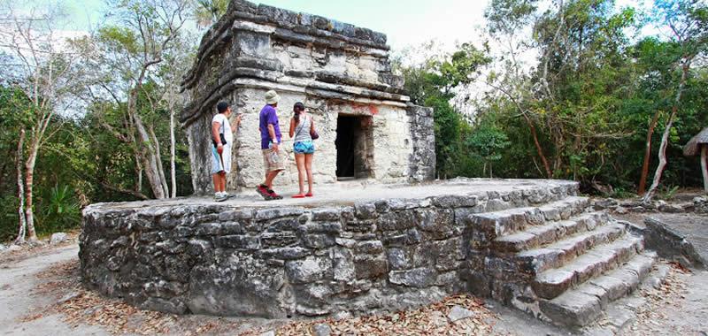 Ruinas Mayas de San Gervasio en Cozumel